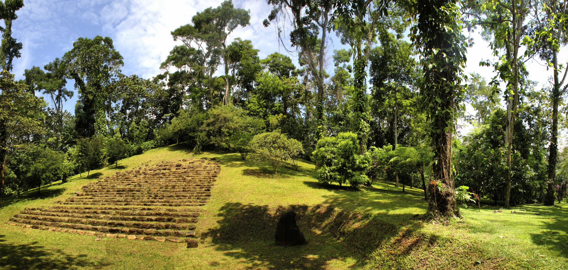 """Piano di sviluppo turistico e territoriale della destinazione """"Guatemagica""""  Retalhuleu"""